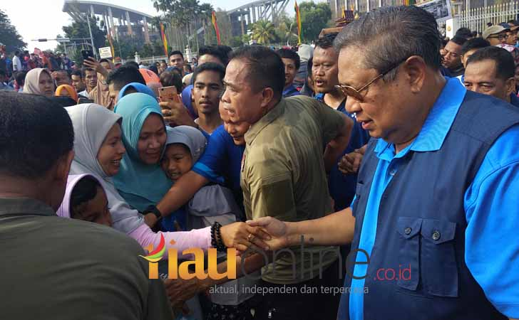 Susilo-Bambang-Yudhoyono-di-Car-Free-Day.jpg