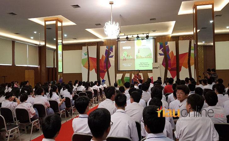 TFWoF-APRIL-di-SMA-Dharma-Yudha2.jpg
