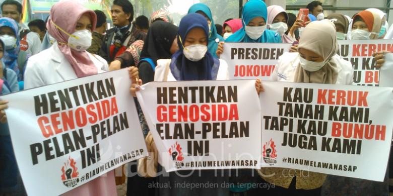 Unjuk-Rasa-Riau-Melawan-Asap.jpg
