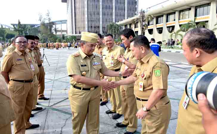Wagub-Riau-dan-Para-ASN.jpg