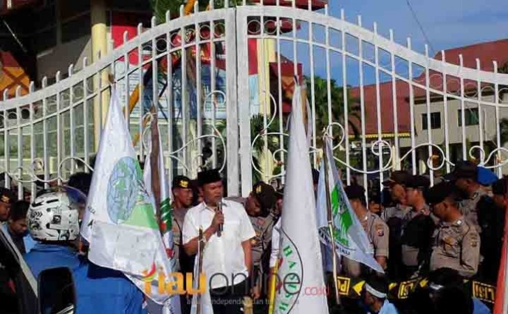 Wakil-Ketua-DPRD-Riau-Kordias-Pasaribu.jpg