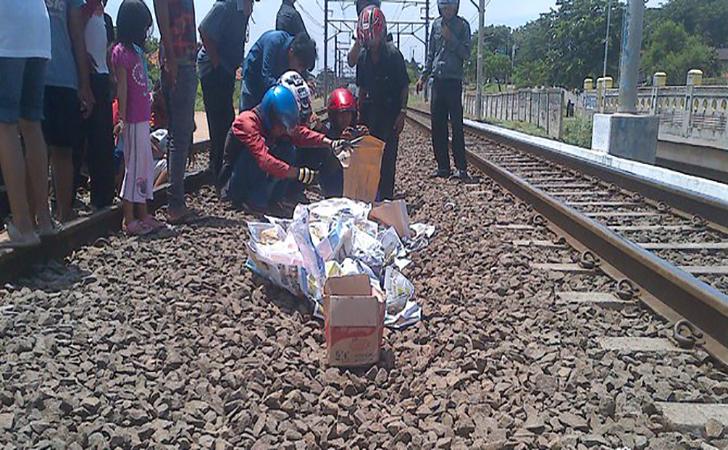 Wanita-tewas-ditabrak-kereta-api.jpg