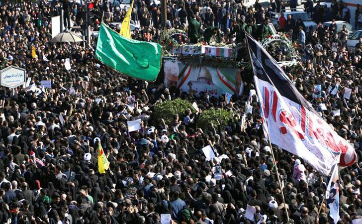 Warga-Iran-mengikuti-upacara-pemakaman-Qassem-Soleimani.jpg