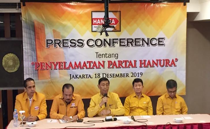 Wiranto-memberikan-keterangan-pers-Penyelamatan-Partai-Hanura.jpg