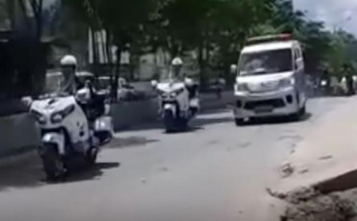 ambulans-lewat.jpg
