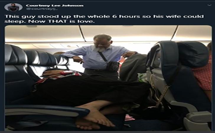 berdiri-di-pesawat.jpg