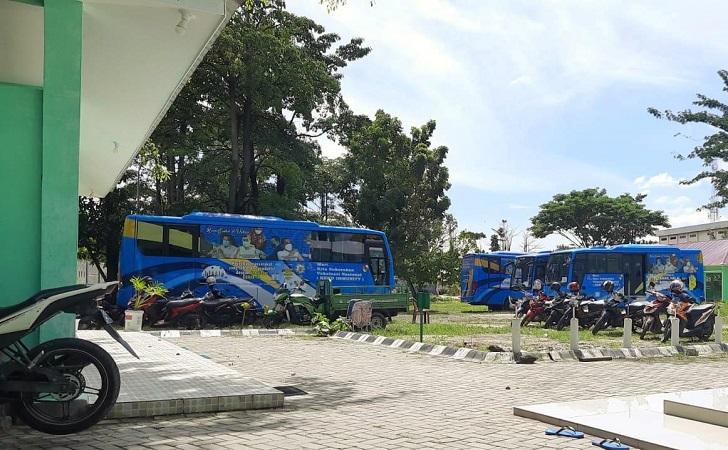 bus-parkir.jpg