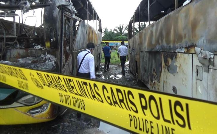 bus-terbakar3.jpg