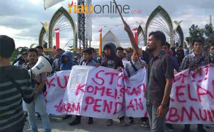 demo-mahasiswa-UIN-Suska.jpg