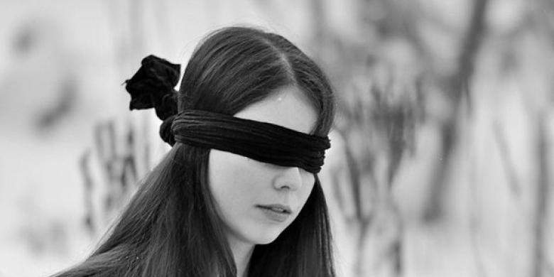 gadis-buta.jpg