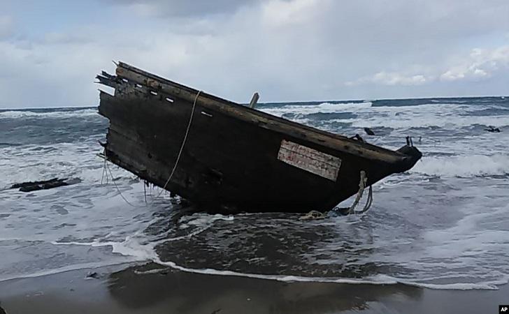 kapal-setan.jpg