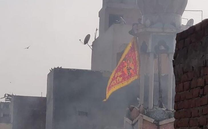 kelompok-kelompok-ultranasionalis-bakar-masjid.jpg