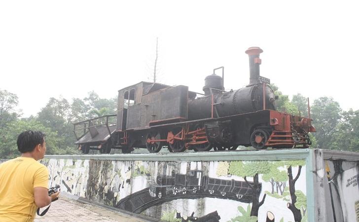 lokomotif-tua-2.jpg