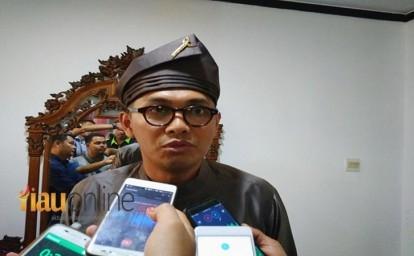 Kepala-Dinas-Pariwisata-Riau-Fahmizal-Usman.jpg