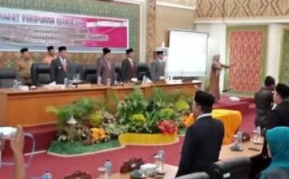 Tiga Anggota DPRD Pelalawan Jalani PAW