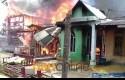 8-Rumah-Terbakar.jpg