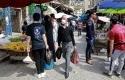 Aktivitas-jual-beli-masyarakat-di-Yordania-kembali-dibuka-menyusul-dilonggarkannya-lockdown.jpg