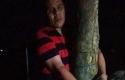 Aldi-Chaniago-diborgol-ke-pohon.jpg
