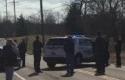 Aparat-kepolisian-berjaga-di-Sekolah-Madison-Ohio-usai-insiden-penembakan.jpg