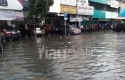 Banjir-di-Jalan-Sudirman-Pekanbaru.jpg