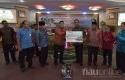 Bank-Riau-Kepri-Serahkan-CSR-ke-Pemkab-Rohil.jpg