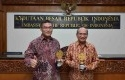 Bank-Riau-Kepri-Terima-Award-di-Singapura.jpg