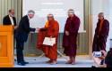 Biksu-Buddha.jpg