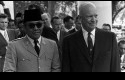 Bung-Karno-bersama-Presiden-AS-Eseinhower.jpg