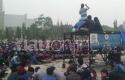 Demo-Mahasiswa-UIN-Suska-di-Kantor-Gubernur.jpg