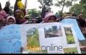 Demo-Warga-Desa-Koto-Aman.jpg