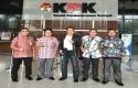 Dirut-Bank-Riau-Kepri-DR.-Irvandi-Gustari-di-KPK-RI.jpg