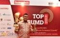 Dirut-Bank-Riau-Kepri-Top-CEO-BUMD-2017.jpg