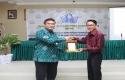 Dirut-Bank-Riaukepri-Pembicara.jpg