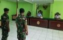 Dua-anggota-TNI-yang-menjual-amunisi-kepada-KKB.jpg