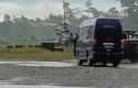 Evakuasi-prajurit-TNI-yang-tewas-tertembak-KKB-saat-pengamanan-jelang-Natal.jpg