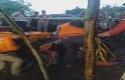Evakuasi-tiga-mahasiswa-Uniska-di-Gua-Lele-Karawang.jpg