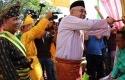 Gubernur-Riau-Andi-Rachman-Balimau-Kasai.jpg