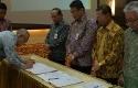 Gubernur-Riau-Tekan-Pakta-Integritas.jpg
