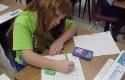 Ilustrasi-anak-anak-sedang-menggunakan-kalkulator.jpg