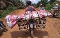 Jenazah-Dibawa-di-Atas-Sepeda-Motor.jpg