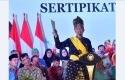 Jokowi-Bagikan-Sertifikat-TORA.jpg