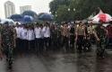 Jokowi-JK-Jalan-ke-Monas-Ikut-Salat-Jumat-Bersama.jpg