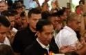Jokowi-Pakai-Jaket-ASEAN-Games.jpg