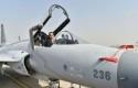 Jokowi-di-atas-kokpit-JF-17.jpg
