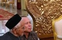 Jokowi-menemui-Nyak-Sandang-di-Istana-Negara.jpg