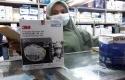 Masker-N95-dengan-harga-awal-Rp-200-jadi-Rp-13-Juta-di-Pasar-Pramuka-Jakarta.jpg