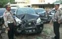 Mobil-ringsek-yang-menabrak-ibu-hamil-di-Palmerah-Jakarta.jpg