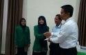 Penyerahan-KTM-Bank-Riaukepri-Syariah.jpg