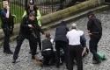 Petugas-kepolisian-menyergap-pelaku-teror-London.jpg