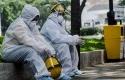 Petugas-kesehatan-berisitrahat-di-sela-sela-Rapid-Test-COVID-19-di-Taman-Balai-Kota-Bandung.jpg
